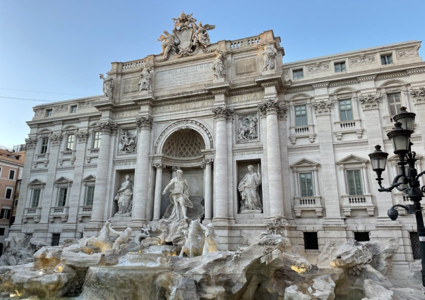 hands-on-travel-deaf-tours-italy-trevi-fountain