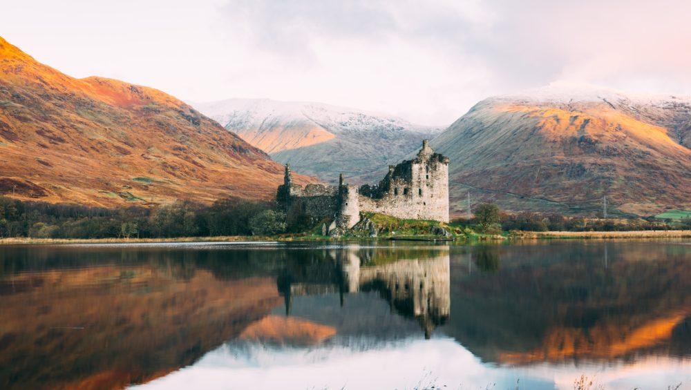 hands-on-travel-deaf-tours-scotland-castle