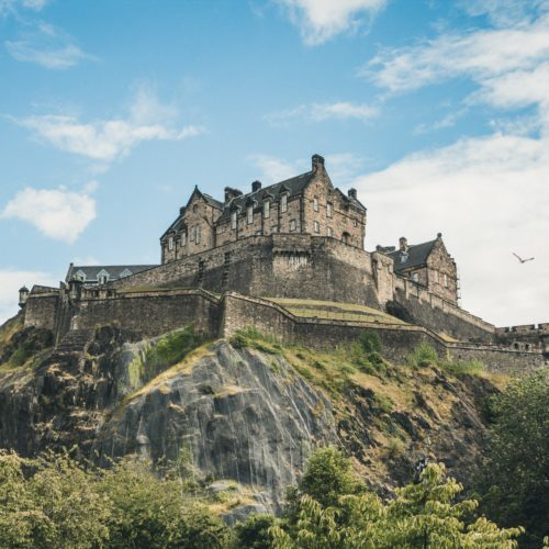 hands-on-travel-deaf-tours-scotland-edinburgh-castle