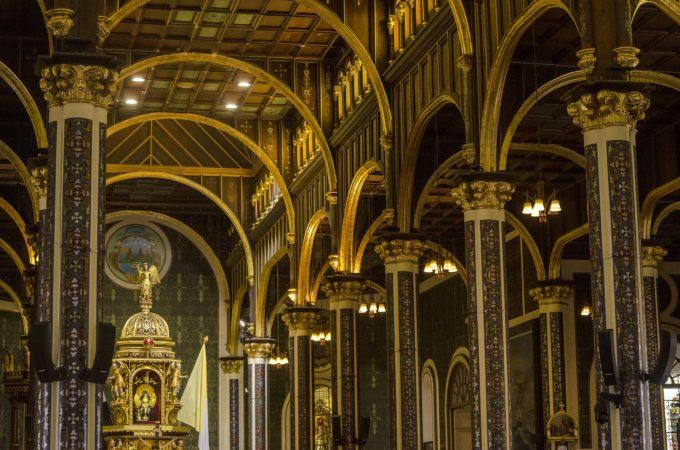 hands-on-travel-deaf-tours-costa-rica-cartago-church