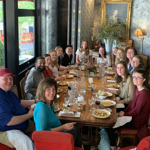 hands-on-travel-deaf-tours-group-restaurant