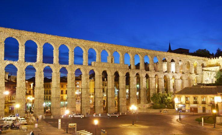 hands-travel-deaf-tour-portugal-spain-aqueduct