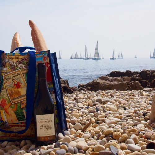 deaf-tours-hands-travel-france-beach-bread-wine