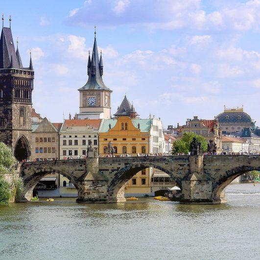 hands-on-travel-deaf-tours-poland-czechia-germany-bridge