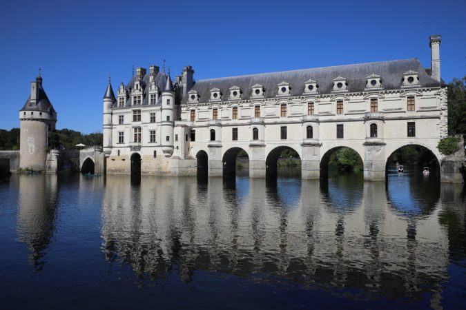 hands-on-travel-deaf-tours-france-chenonceau-chateau