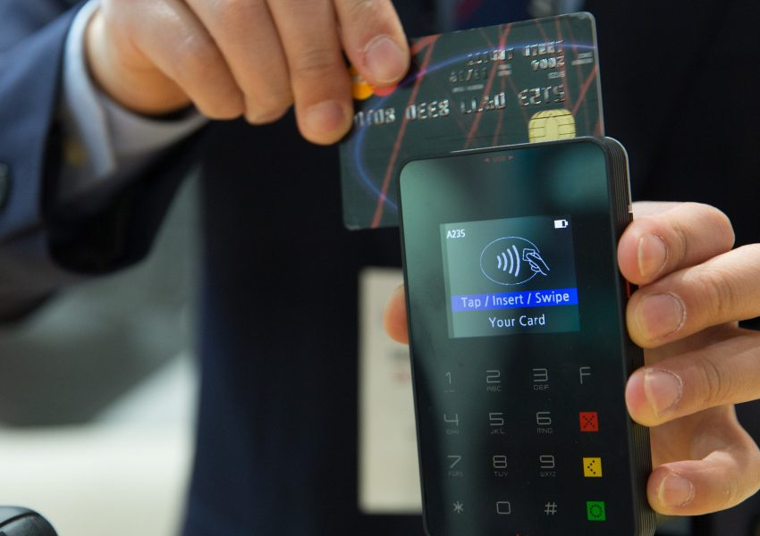 deaf-tours-hands-travel-credit-card
