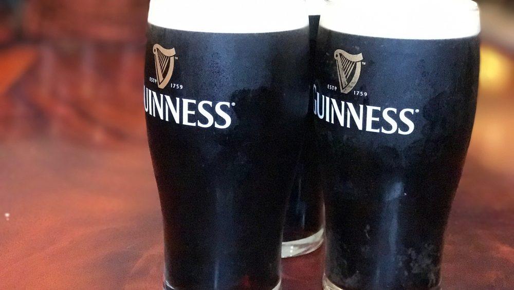 deaf-tours-hands-travel-ireland-guinness-beer