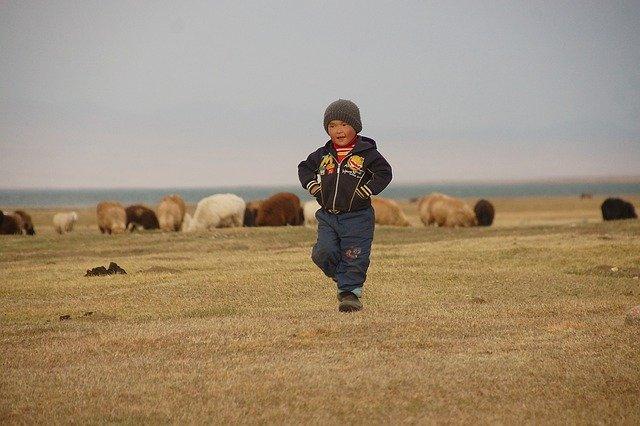 hands-on-travel-deaf-tours-uzbekistan-kyrgyzstan-boy