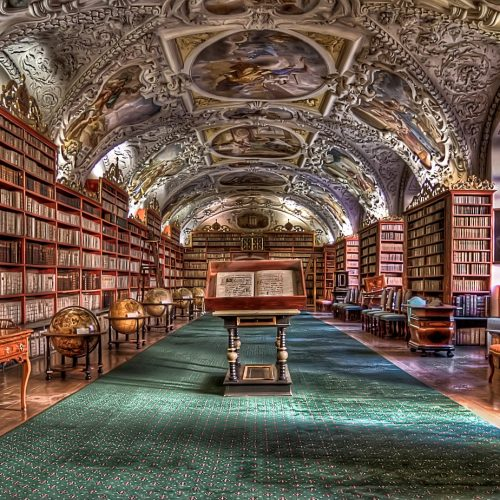 hands-on-travel-deaf-tours-poland-czechia-germany-library