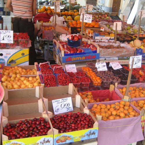 hands-travel-deaf-tour-greece-italy-market