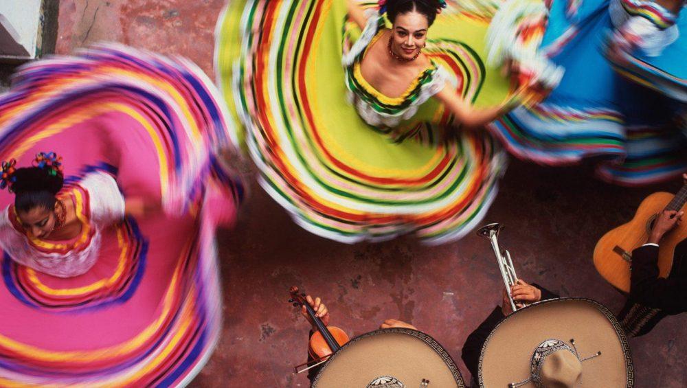 hands-travel-deaf-tours-mexico-dance