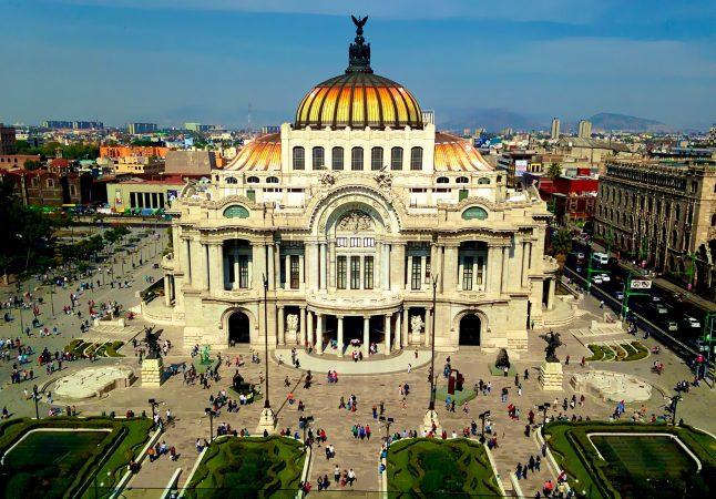 deaf-tours-hands-travel-mexico-city