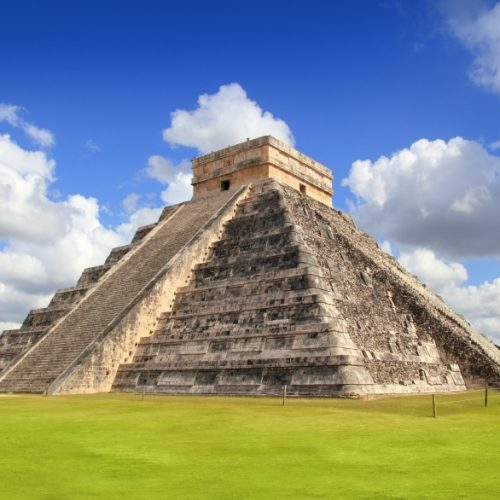 hands-travel-deaf-tours-mexico-pyramid