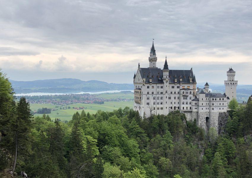 hands-on-travel-deaf-tours-poland-austria-germany-neuschwanstein