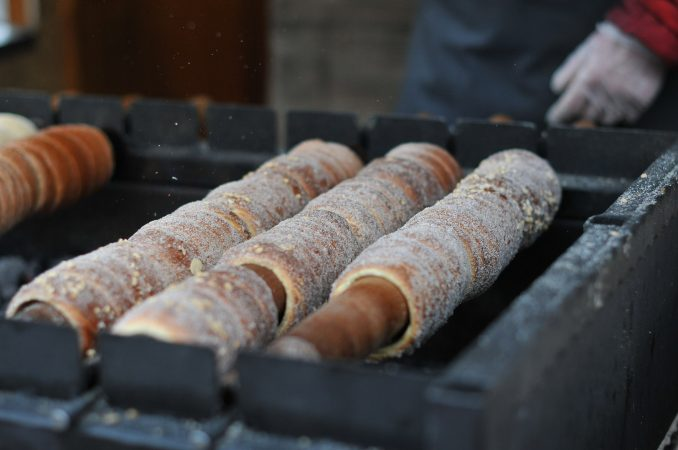 hands-on-travel-deaf-tours-poland-czechia-germany-pastry