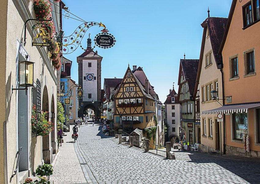 hands-on-travel-deaf-tours-poland-czechia-germany-rothenburg