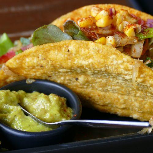 deaf-tours-hands-travel-mexico-food-tacos