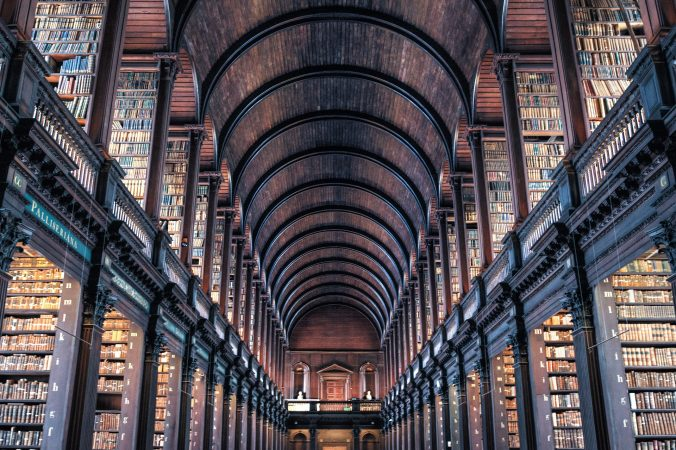 deaf-tours-hands-travel-ireland-trinity-college-library