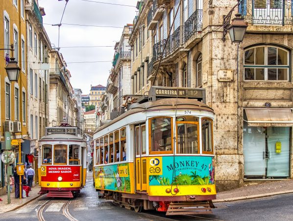 hands-travel-deaf-tour-portugal-spain-trolley