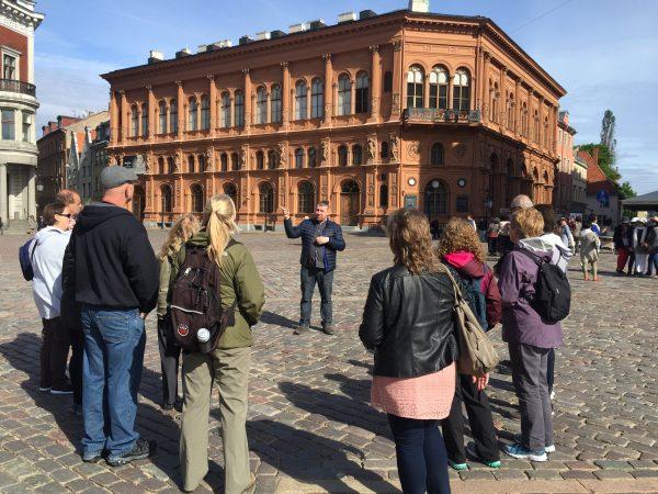 hands-on-travel-deaf-tours-russia-baltics-riga