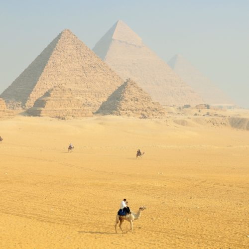deaf-tours-hands-travel-sphinx-pyramid-egypt-africa