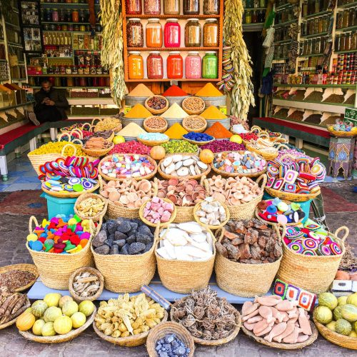 deaf-tours-travel-sign-language-asl-morocco-market-spices